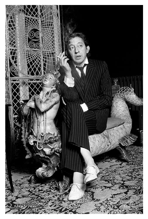 """Les fameuses """"zizis"""" de Repetto portées par Gainsbourg"""