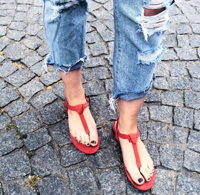 Jean : Forever 21 Nus-pieds : Bershka